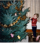 Decorating the tree in 1986 (#1)